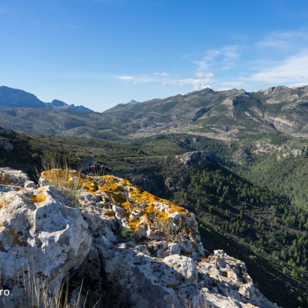 vistas de la Sierra de Bernia y Ferrer