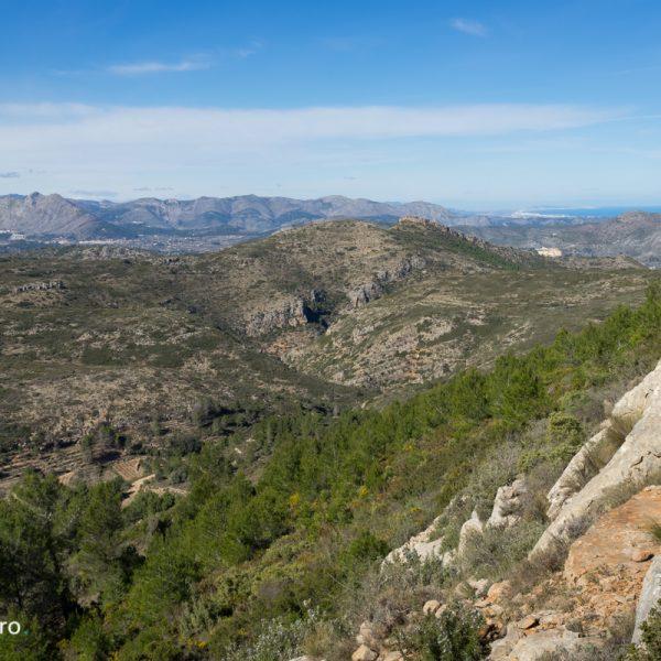 en la cima Cau con vistas de Alt de l´Ample