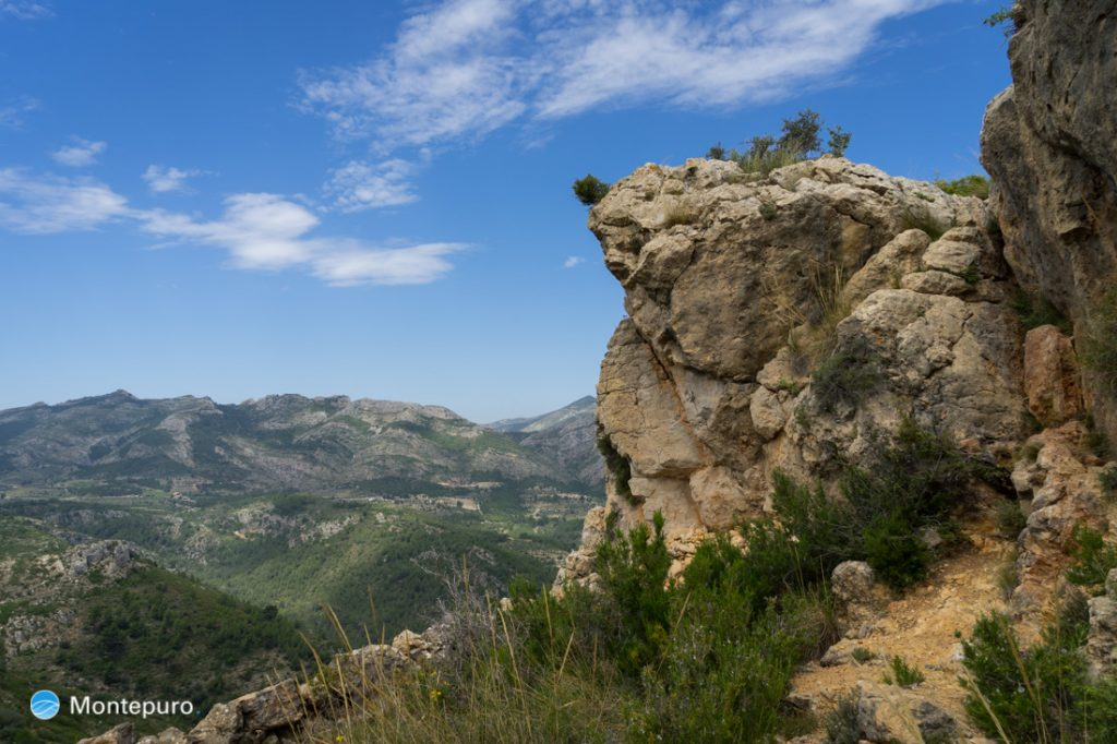 Alt de l´Ample, Blick in die Serra del Ferrer
