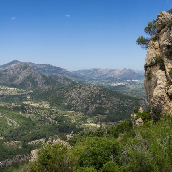 Alt de l´Ample, vista a la Sierra de la Devesa y Penya Talai