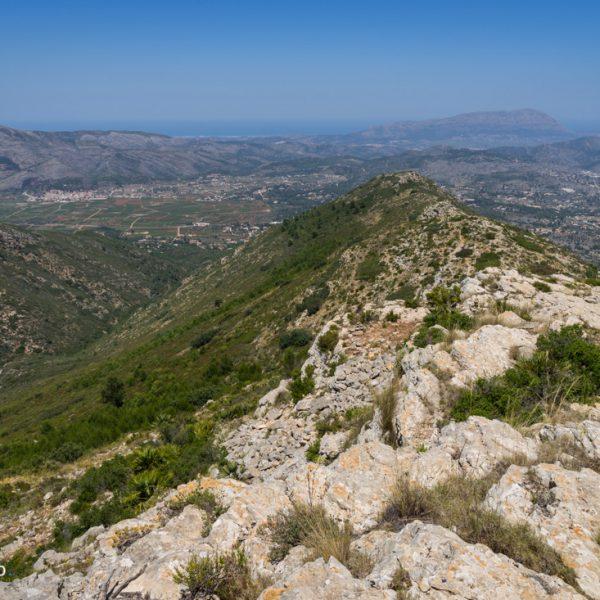 Lloma Llarga, vista a Sierra del Castell de la Solana y Montgó