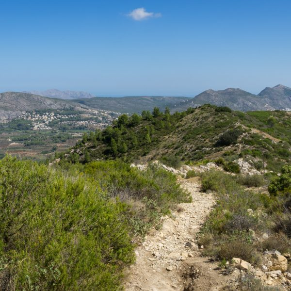 Ausblick in Richtung Sierra de Seguili und Sierra del Castell de la Solana