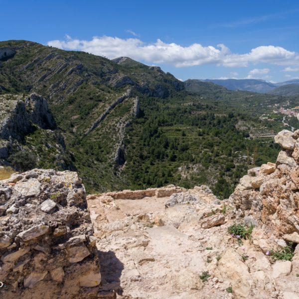 Mauerreste des Castell de l´Ocaive und Serra del Castell de la Solana