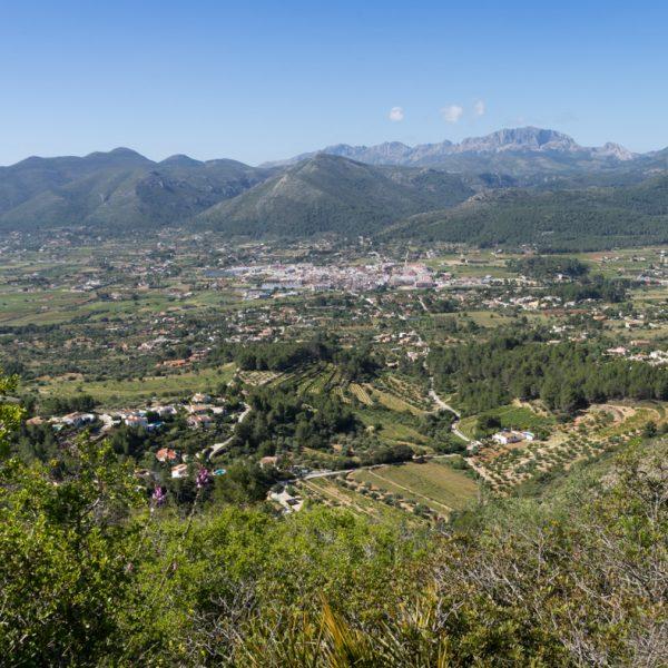 Bergpanorama bei Xaló: Lloma Llarga, Alt de l´Ample, Serra de Devesa, Serra de Bèrnia y Ferrer