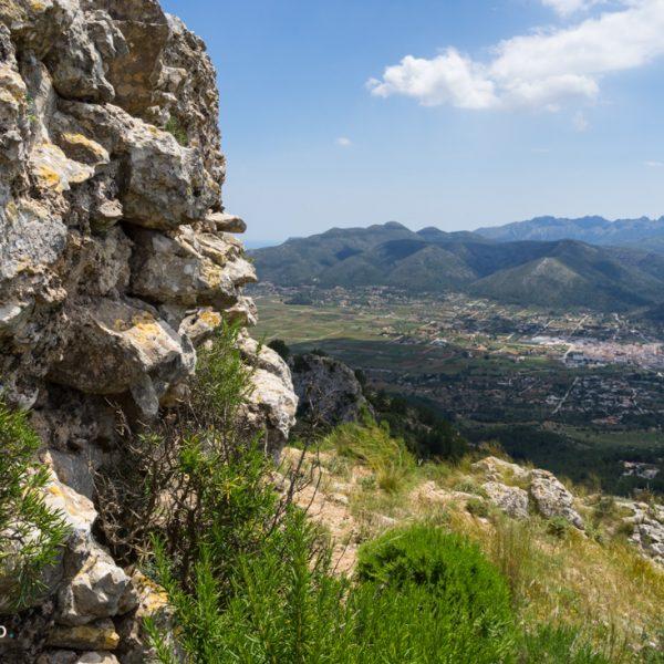 Castell d´Aixa, Blick auf Xaló und Gebirge