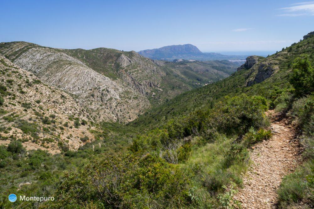 Sierra del Castell de la Solana, vista a Muntanya Gran y Montgó