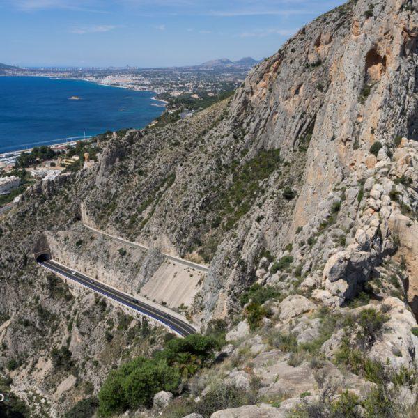Ausblick von Castellet de Calp, oberhalb der Schlucht von Mascarat