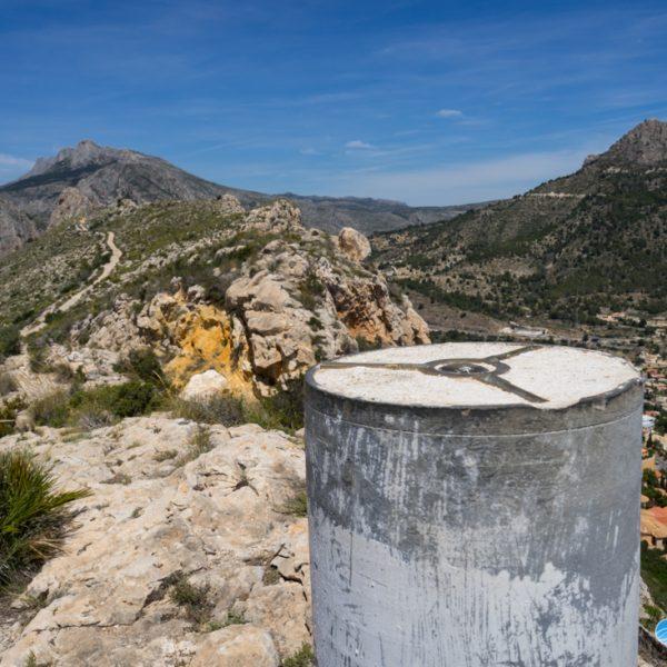 Vértice Geodésico Sierra del Toix, Ausblick auf Bèrnia und Oltà