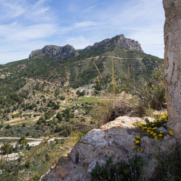 Ausblick von Castellet de Calp auf Serra de Oltà