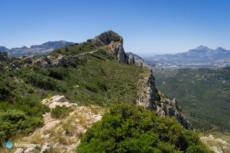 Sierra del Ferrer y Puig Campana al fondo
