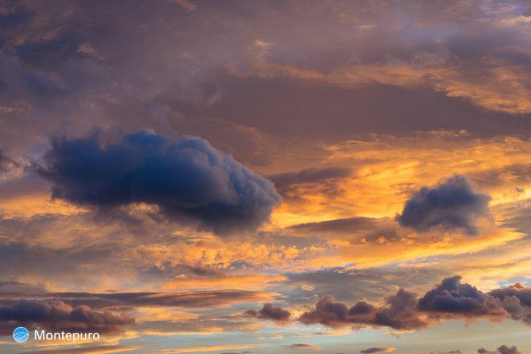 malerische Wolken am Abendhimmel, Costa Blanca