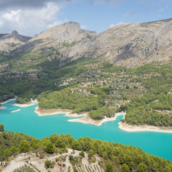 Embalse de Guadalest y Sierra de Aixorta