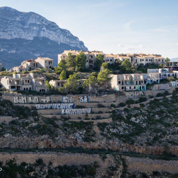 urbanización fantasma El Greco en el Parque Natural del Montgó