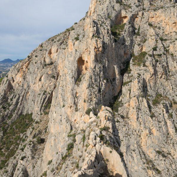 Castellet de Calp con vistas del Cañón del Mascarat
