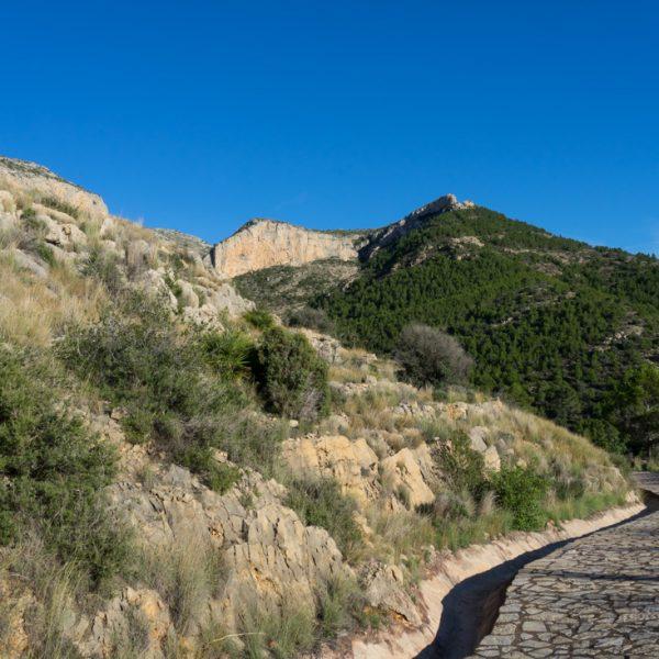 Abstieg vom Felsmassiv Montgó nach Jesús Pobre