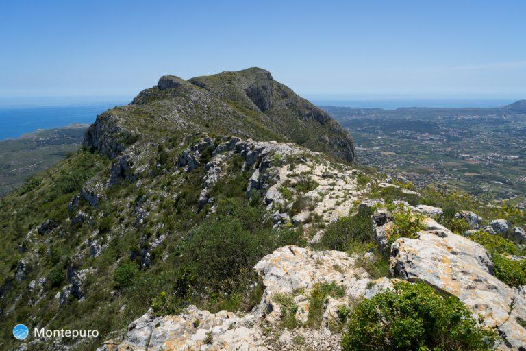 ruta del Montgó, vistas hacia la cima