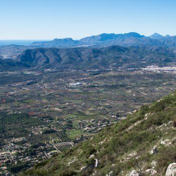 Ausblick vom Montgó in die Gebirge der Costa Blanca