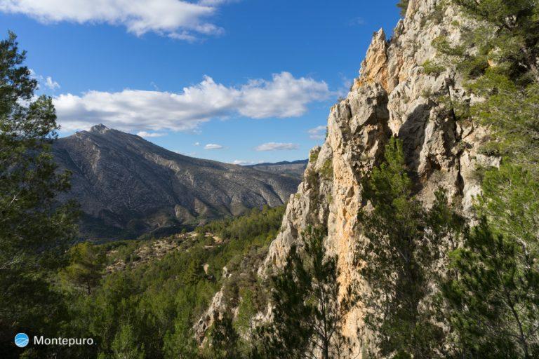 paredes verticales Sierra de Oltà