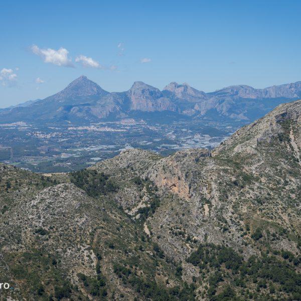 Sierra de Oltà, vistas de Bernia y Puig Campana