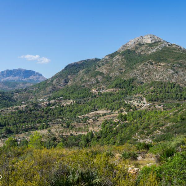 Sierra del Ferrer und Sierra de Bèrnia im Hintergrund
