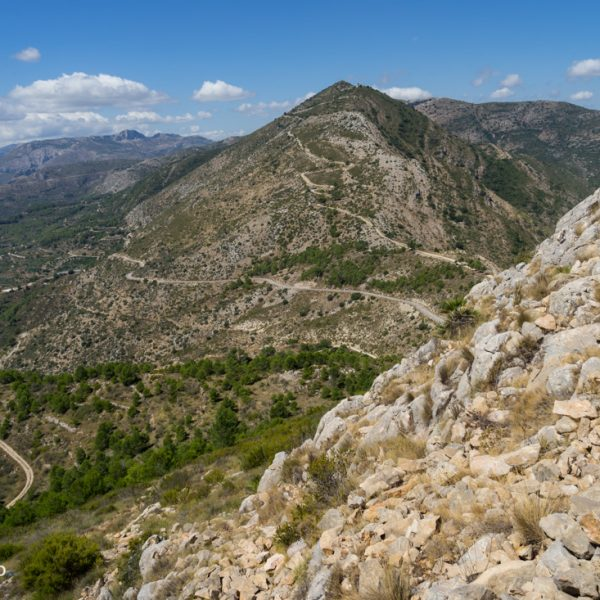 Ausblick von Penya Talai in die Sierra del Carrascal de Parcent