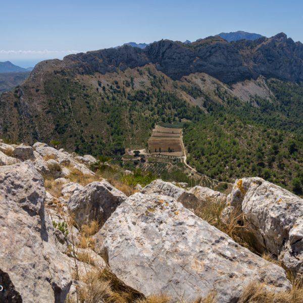 Ausblick von Penya Talai in die Sierra del Ferrer