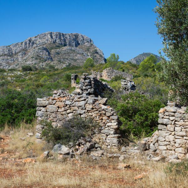 Sierra de la Devesa, Ruine und Blick auf Penya Talai