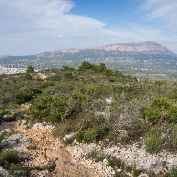 Sierra de Seldetes mit Blick auf Montgó