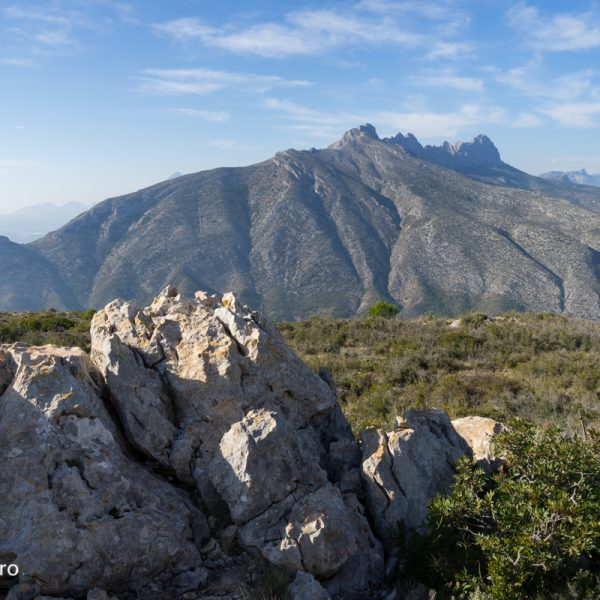 Sierra de Oltà, con vistas de la Sierra de Bernia