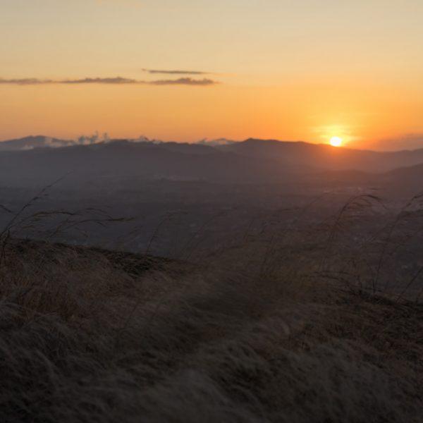 Puig de la Llorença, vista a las montanas en el oeste
